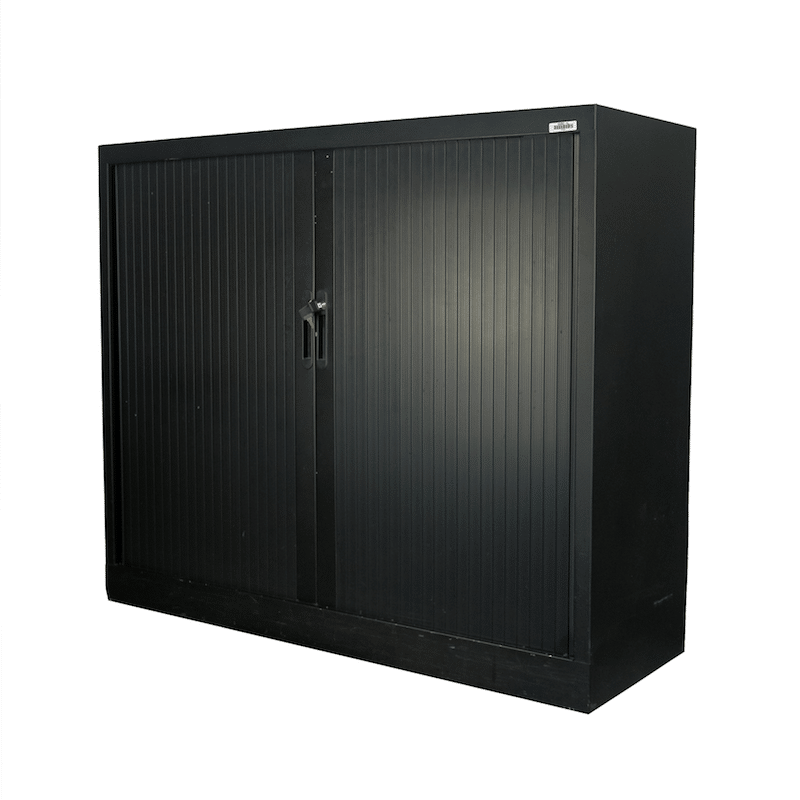 armoire basse m tallique noire bureau fut. Black Bedroom Furniture Sets. Home Design Ideas